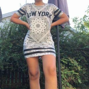 tshirt klänning