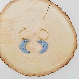 Handgjorda örhängen - frakt 9 kr 🌜🌛