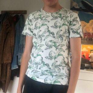Cool plant t-shirts köparen står för frakten men möts gärna i Malmö trakterna