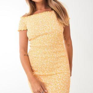 SÖKER!! Denna klänning i stl S eller M💃🏽