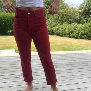 Röda fin vintage fit byxor! Frakt står köparen för