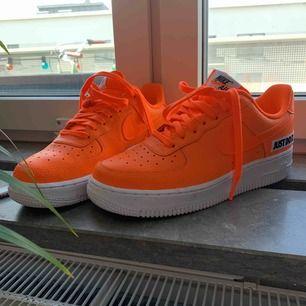 Nike air force 1. Jubileumsskor. Svincoola men kommer inte till användning.