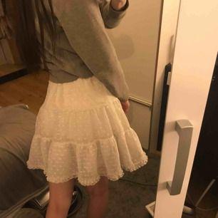 Supersöt kjol i polka dot mönster! 🥰 Frakt: 59:-