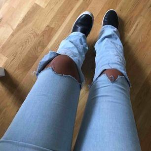 Nästan helt oanvända bootcut jeans från Gina tricot  Nypris 400