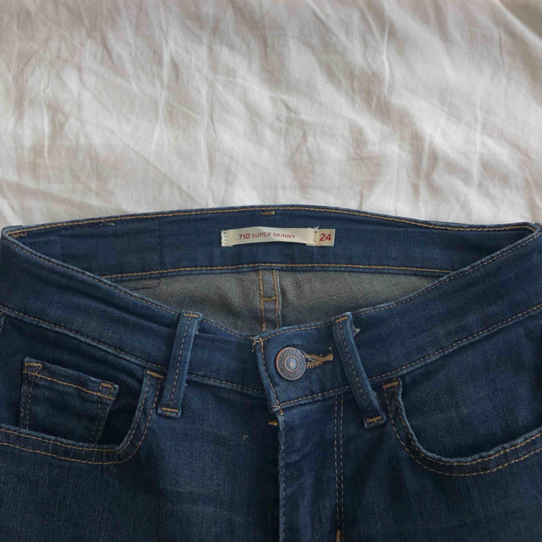 Jeans från Levis. Mycket fint skick. Jeans & Byxor.