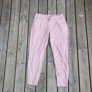 Rosa kostym byxor från NewYorker storlek M.