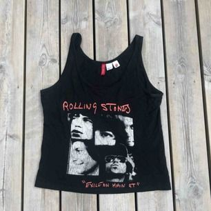 Ett Rolling Stones linne från H&M. Storlek 36.