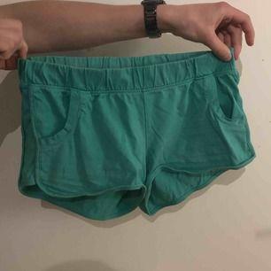 Gröna mjuka shorts. Fint skick