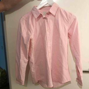 Ljusrosa skjorta som använts 2 gånger
