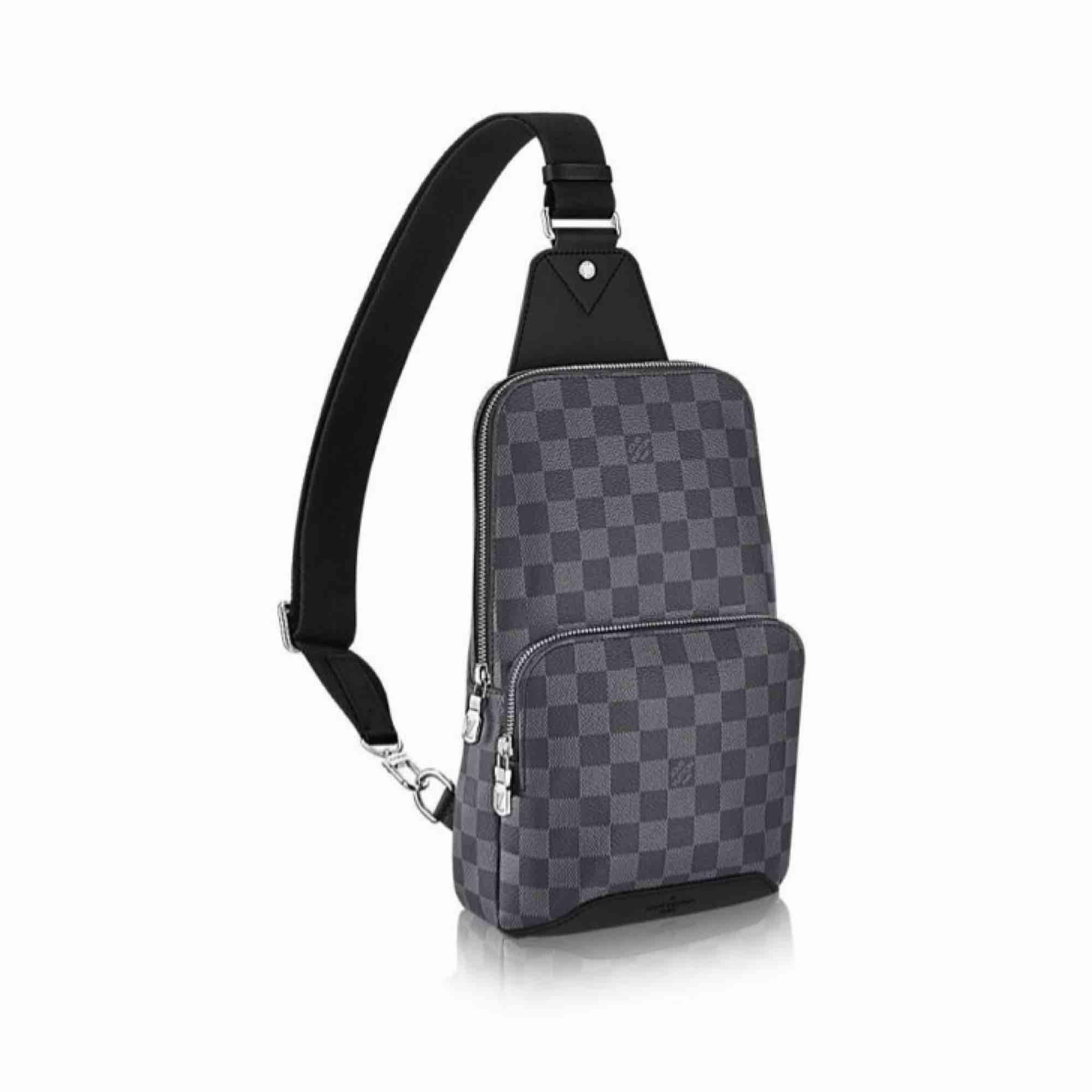 Jag säljer bra kopior av märkena Gucci, LV och även Philip plein! Vill mest intresse kolla efter förfrågan då dessa är beställnings varor! Har allt från herr till dam! DM för mer info eller frågor🌺. Väskor.