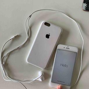 Säljer min iPhone 6 då jag fått en ny mobil. Fullt fungerande, hörlurar och skal ingår om man vill ha dvs🥰