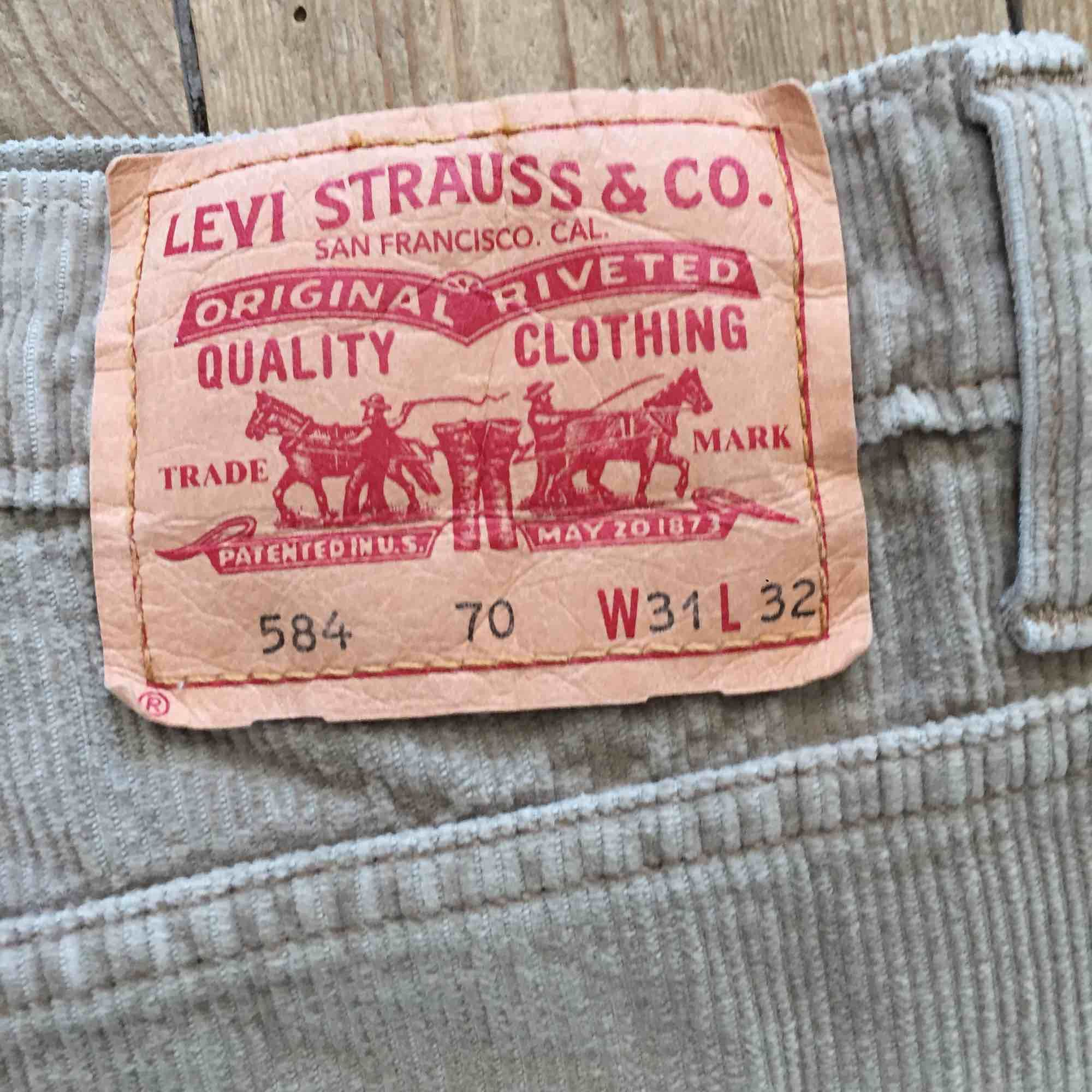 Jättesnygga Manchester Levis jeans! Bra skick och snygg färg! Pris kan diskuteras!. Jeans & Byxor.