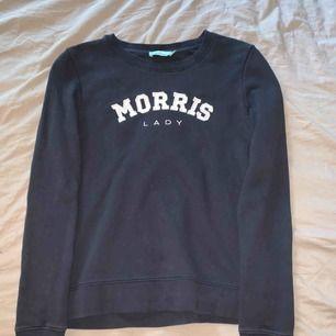 Säljer en Morris tröja i väldigt bra skick. Säljes på grund av att den inte kommer till användning längre. Inköpspris ca 1000kr. Priset är inklusive frakt.