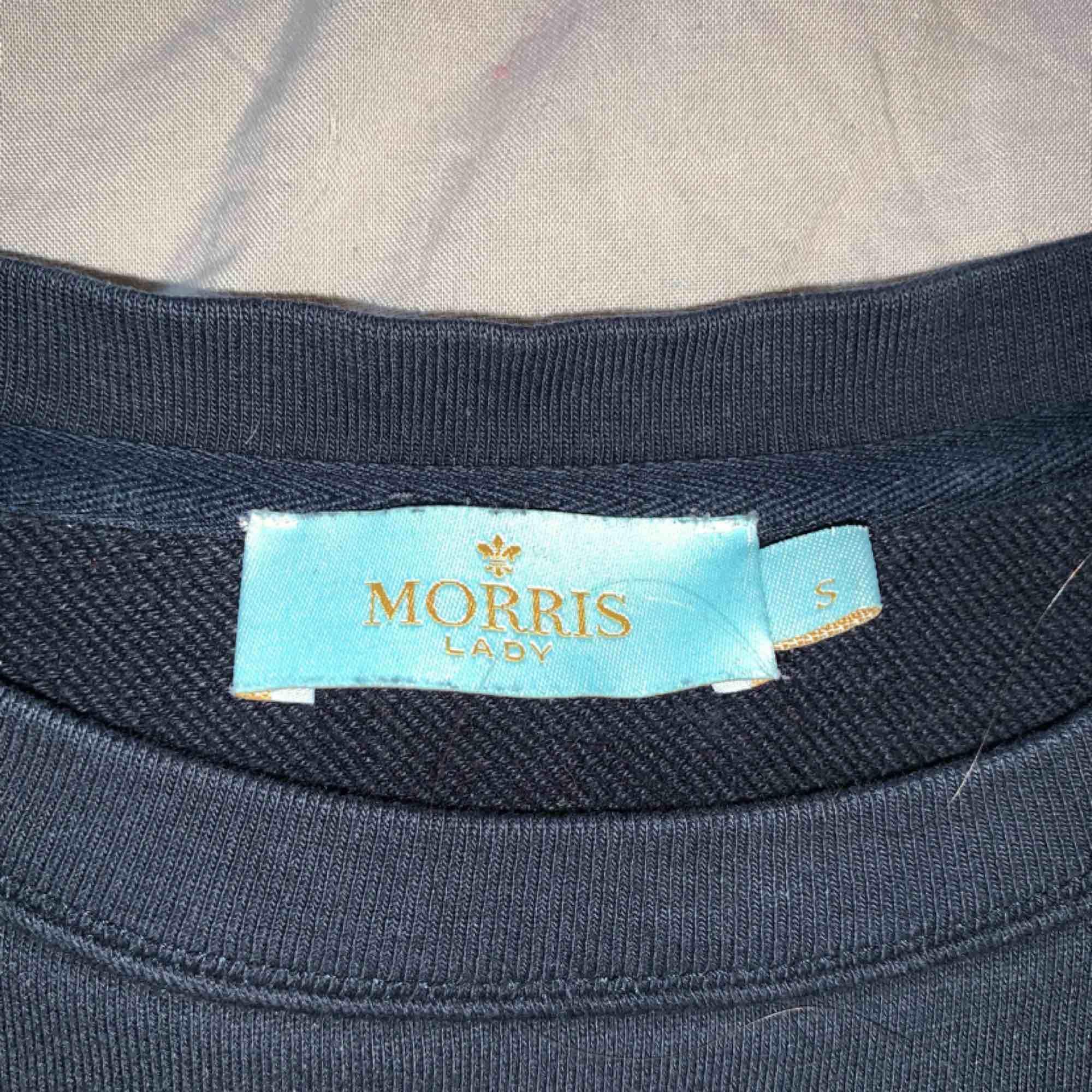 Säljer en Morris tröja i väldigt bra skick. Säljes på grund av att den inte kommer till användning längre. Inköpspris ca 1000kr. Priset är inklusive frakt.. Tröjor & Koftor.
