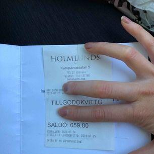 Värde 659:- Köpte jacka som tyvärr inte passade och fick tillbaka pengarna i ett tillgodokvitto. Det har tyvärr inte kommit till användning och jag säljer det nu för en billigare peng till den som vill alt vill köpa som presentkort till någon 🌸🌸.
