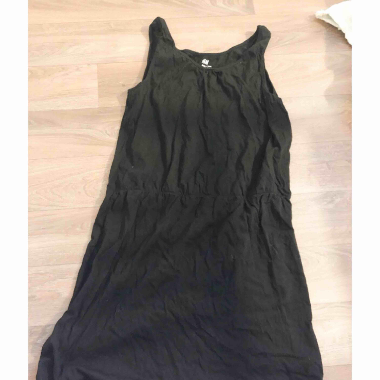 Svart klänning ifrån HM. Klänningar.