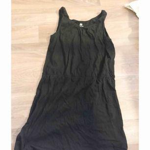 Svart klänning ifrån HM