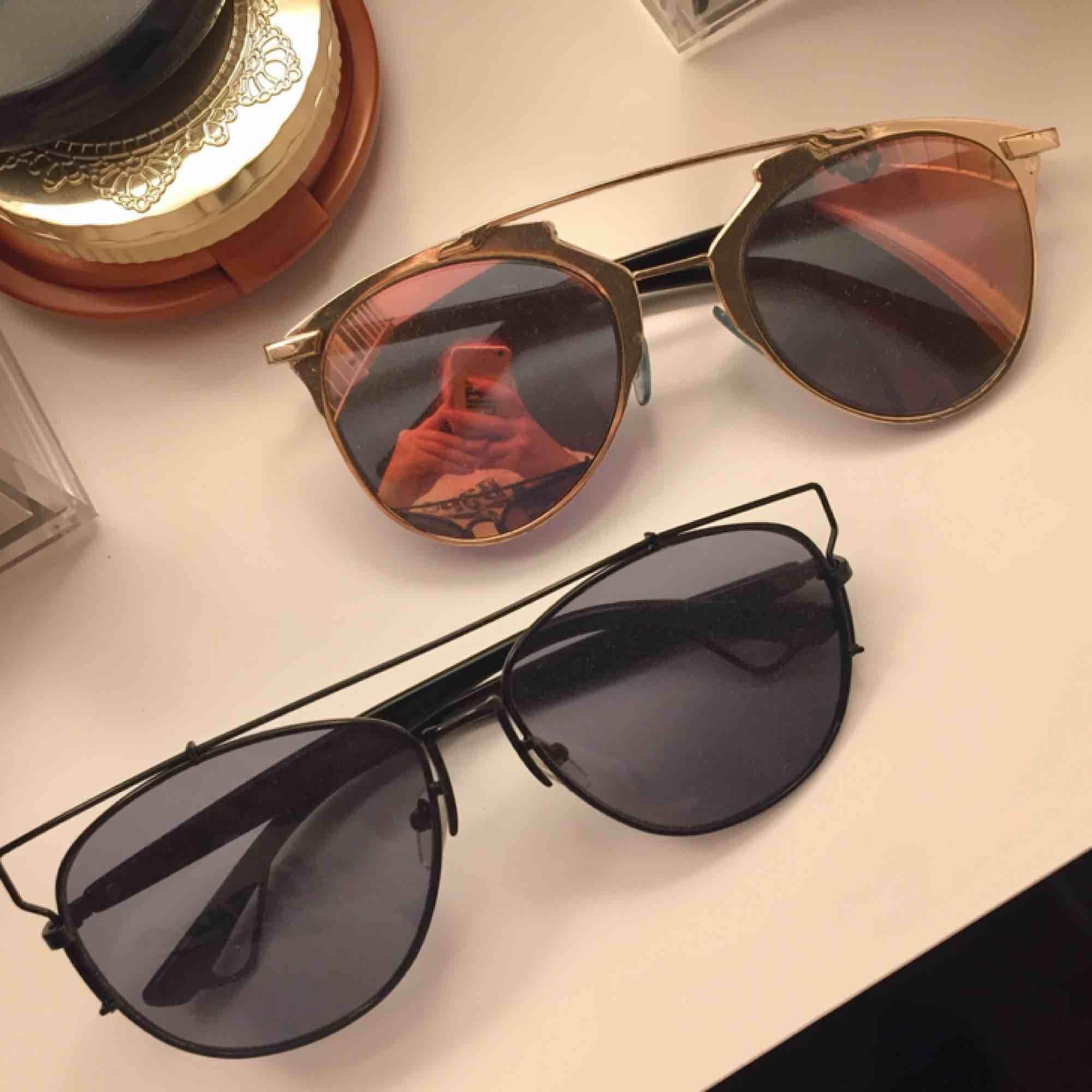Dior-inspirerade solglasögon. 100kr/ styck (paket-pris kan diskuteras!) Frakt på 9kr tillkommer!😎. Accessoarer.