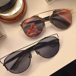 Dior-inspirerade solglasögon. 100kr/ styck (paket-pris kan diskuteras!) Frakt på 9kr tillkommer!😎