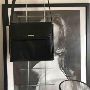 Vintage väska från märket Vezzano, frakt 63:-