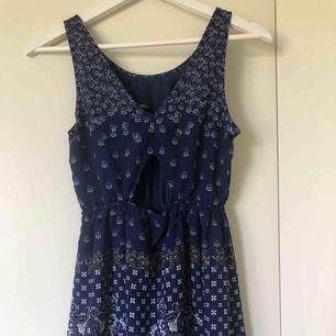 Blå klänning från hm, storlek S/36. Använd fåtal gånger