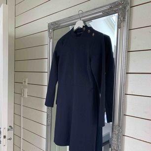 Klänning från Zara, storlek xs. Använd en gång, säljer pga fel storlek för mig.