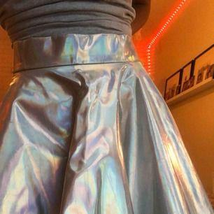 Sjukt gullig holografins kjol aldrig använd utom vid detta tillfälle
