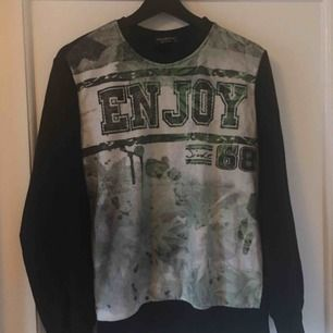 Sweatshirt 10kr köpt i Spanien frakt tillkommer