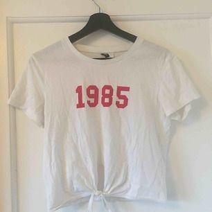 Croppad t-shirt från hm 10kr frakt tillkommer