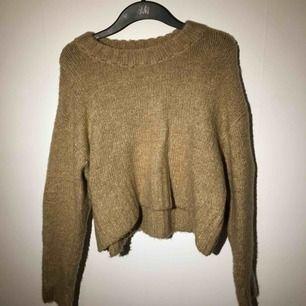 supermysig tröja från weekday! nästan aldrig använd och i gott skick:)
