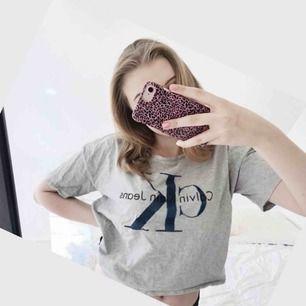 Ck tröja i jättefint skick!! Strl S men passar även XS. Ord pris 499kr, mitt pris 200kr. Bilder från min Instagram @schonbloppis
