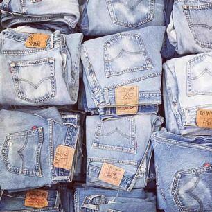 RetroRepurpose är tillbaka och ska sälja massor kläder till hösten! Nu kan man köpa bundles enkelt med fri frakt 😍 Mina varor kommer även få ny paketering med bättre kvalitet 😅 Checka in i veckan 🔜