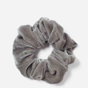 Jättesöt helt ny grå velvet scrunchie 🌸