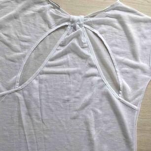 T-shirt från Tezenis. One size storlek. Frakt ingår!