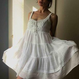 Siden bomull klänning från Stella Forest i mycket bra skick. Strl S nypris 2200kr