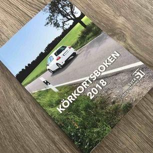 Körkortsboken för Teori, skit bra bok som hjälpte mig att ta körkortet på första försöket nu i år. Priset inkluderar frakt.