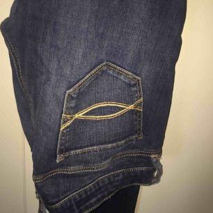 Ett par jeans från Abercrombie&fitch i storlek 2S och midja 26