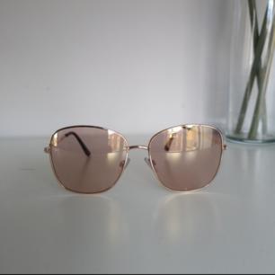 Solglasögon 😎 Från ivyrevel 🌸 50 kr inkl frakt