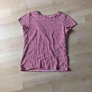 basic randig tshirt