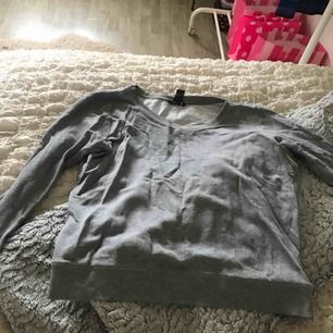 College tröja från H&m Bra skick