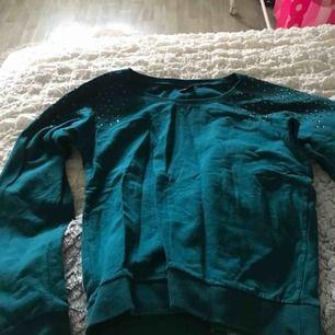 College tröja från Gina tricot  Knappt använd