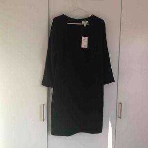 Helt ny svart GANT klänning !