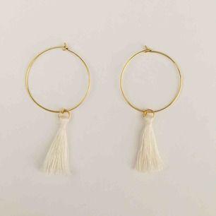 Handgjorda örhängen - frakt 9 kr