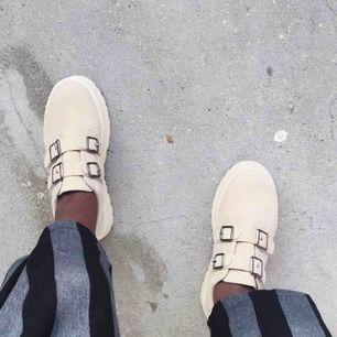 Eytys-liknande chunky skor. Passar även 37
