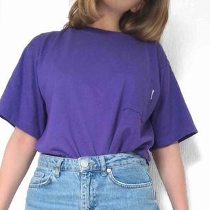 Vintage beverlyhills 90210 inspirerad T-shirt. Frakt tillkommer på 50 kr💜 skriv för fler bilder