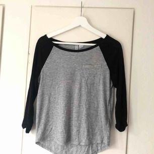 As skön tröja från hm i storlek XS! 😋 50kr + frakt