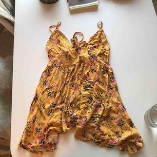 Fint sommarlinne, skulle även kunna användas som kort tunika eller över bikini