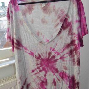 T-shirt tiedye