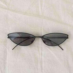 såå balla solglasögon, nästan helt nya. frakt ingår
