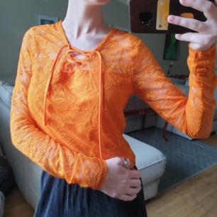 Helt ny tröja från NewYorker! Aldrig använt, bara prövad då jag inte riktigt tycker den passar mig. Kan mötas i Umeå eller så kommer vi på lösning för frakt:)